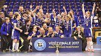 Florbalistky Vítkovic slaví triumf v domácím poháru.