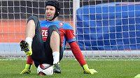 Brankář Petr Čech na tréninku české fotbalové reprezentace, která se připravuje na zápasy kvalifikace ME s Kazachstánem a v Lotyšsku.
