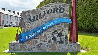 Severoirské městečko Milford se chlubí tím, že se v něm narodil William McCrum, který vymyslel pokutový kop.
