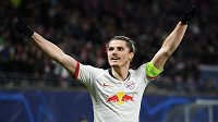 Marcel Sabitzer z Lipska oslavuje svoji trefu v osmifinále Ligy mistrů proti Tottenhamu.