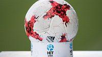 Ilustrační fotografie, míč Adidas, HET liga.