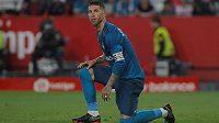 Stoper Realu Madrid Sergio Ramos to po porážce v Seville schytal.