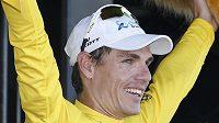 Daryl Impey z JAR vede jako první Afričan v historii slavný závod Tour de France.