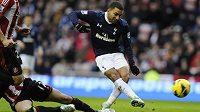Záložník Tottenhamu Aaron Lennon vstřelil vítězný gól proti Sunderlandu.