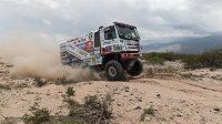 Pilot kamiónu Martin Kolomý obsadil v extrémně náročné třetí etapě Rallye Dakar druhé místo.
