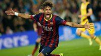 Barcelonský Neymar se raduje z gólu proti Atlétiku ve čtvrtfinále Ligy mistrů.