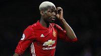 Hvězda Manchesteru United Paul Pogba při utkání s Hullem.