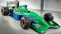 Formule, ve které debutoval legendární Michael Schumacher, je na prodej.