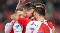 Milan Škoda a Josef Hušbauer oslavují gól na 2:0 proti Jihlavě.