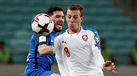 Vladimír Darida v akci při utkání s Ázerbájdžánem.