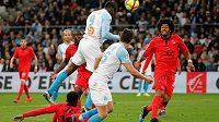 Mario Balotelli dává jedinou branku utkání mezi Marseille a Nice.