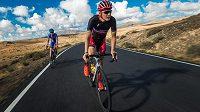 Jaroslav Kulhavý a Jan Vastl, čeští bikeři, trénují na ostrově Fuerteventura.