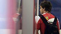 Má ve Ferrari sbaleno? O budoucnosti Fernanda Alonsa ve formuli 1 se živě spekuluje.