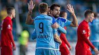 Milan Baroš (uprostřed) se dvěma góly podílel na výhře Mladé Boleslavi nad Ostravou. Fanoušci Baníku porážku 0:3 neunesli.