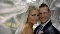 Judista Lukáš Krpálek se na zámku v Bechyni oženil s Evou Kaderkovou.