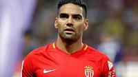 Kolumbijský fotbalový útočník Radamel Falcao přizná španělským úřadům vinu v případu daňového podvodu a zaplatí pokutu 6,9 milionu eur (180 milionů korun).