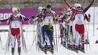 Skiathlon českým běžcům na lyžích nevyšel, nejlepší byl Martin Jakš na 28. místě.