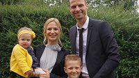David Rozehnal s manželkou Petrou, synem Lukou a dcerou Beatou.