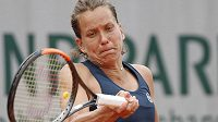 Barbora Strýcová během zápasu 2. kola French Open.