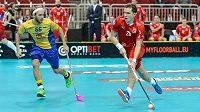 Matěj Jendrišák zakončuje v zápase mistrovství světa proti Švédsku.