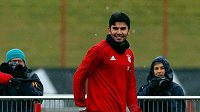 Posila Bayernu Serdar Tasci na prvním tréninku týmu.