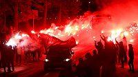 Fanoušci Zenitu netradiční formou hecovali hráče před odvetným utkáním Evropské ligy s Fenerbahce Istanbul.