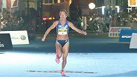 Eva Nývltová Vrabcová jako běžkyně.