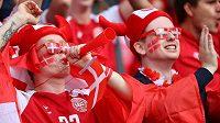 Euforie dánských fanoušků! Jejich fotbaloví vyslanci na EURO prošli do osmifinále.