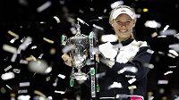 A může slavit. Dánka Caroline Wozniacká porazila na Turnaji misrtryň v Singapuru Američanku Venus Williamsovou.