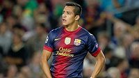 Barcelonský útočník Alexis Sánchez si nezahraje do poloviny prosince.