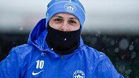 Miloš Bosančič přichází na první trénink v Liberci, kterým fotbalisté zahájili zimní přípravu.