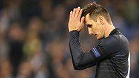 Zklamaný útočník Lazia Řím Miroslav Klose po prohře 0:3 se Spartou.
