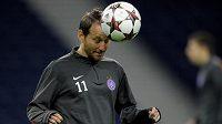 Český fotbalista Tomáš Jun zvažuje svou další budoucnost.