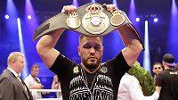 Uzbek Ruslan Čagajev obhájit titul v těžké váze organizace WBA.