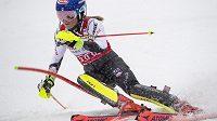 Mikaela Shiffrinová při závodě SP ve sjezdovém lyžování