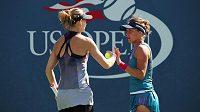 Barbora Strýcová (vpravo) s Lucií Šafářovou při US Open.