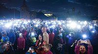 Běh pro Světušku zavítal do Stromovky. Na čtyři tisíce běžců přišlo podpořit nevidomé a zrakově postižené.