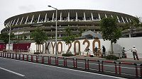 Pořadatelům olympijských her v Tokiu odřeklo účast asi 10 000 dobrovolníků.