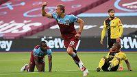 Radostné gesto Tomáše Součka, který právě dal druhý gól West Hamu proti Watfordu.
