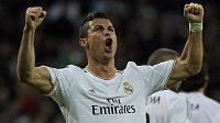 Hvězdný Cristiano Ronaldo z Realu přispěl k demolici Sevilly hattrickem.