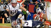 Rex Burkhead (34) z New England Patriots skóruje proti Kansas City.
