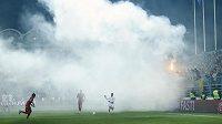 Zápas Černé Hory s Anglií se odehrával v hodně bouřlivé atmosféře.