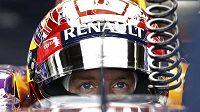 Německý pilot Sebastian Vettel při tréninku na Velkou cenu Japonska. Pojede se ale vůbec?