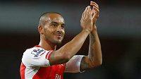 Theo Walcott se vrací do sestavy Arsenalu.