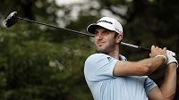 Americký golfista Dustin Johnson na HSBC Champions.