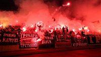 Fanoušci Partizanu při utkání s CZ.
