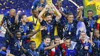 Fotbalisté Francie se radují ze zisku titulu mistrů světa