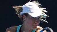 Denisa Allertová během zápasu 2. kola Australian Open proti Číňance Čang Šuaj.