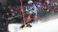 Nor Henrik Kristoffersen si jede pro vítězství v nočním slalomu SP ve Schladmingu.