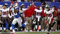 Victor Cruz zachytává touchdownovou přihrávku od Eli Manninga